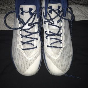 Medium tops Curry 1's (Basketball shoes) BRAND NEW